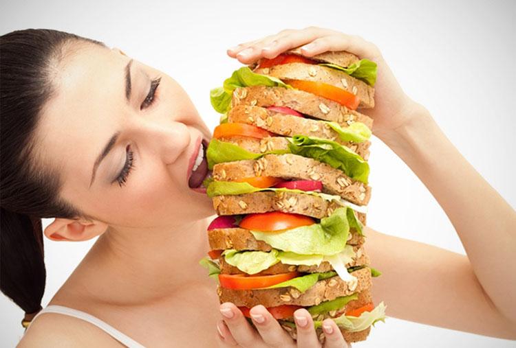 Comer demasiado antes de entrenar