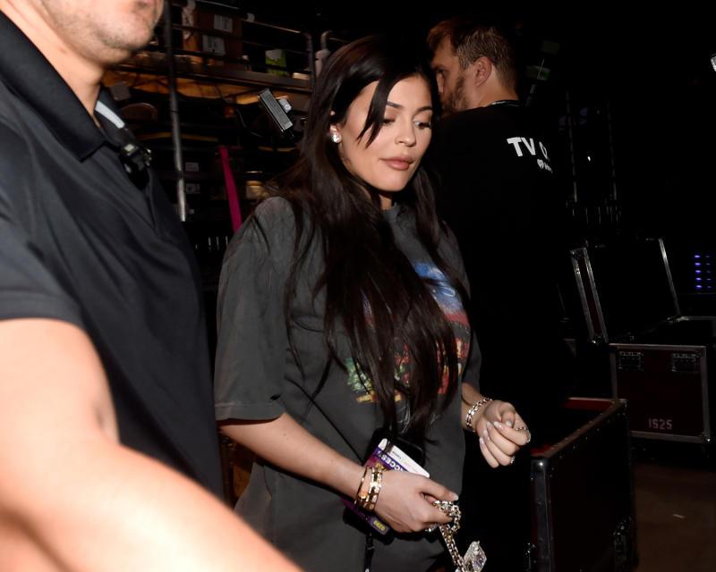 Las fotos del embarazo de Kylie Jenner serán vendidas