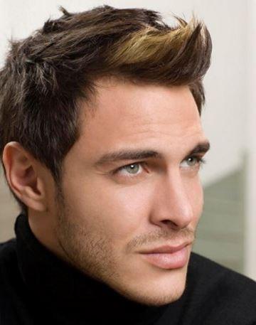 Teñirse el cabello de una tonalidad más clara